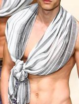 条纹围巾技巧打结