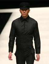 黑色套装 经典复古束腰设计