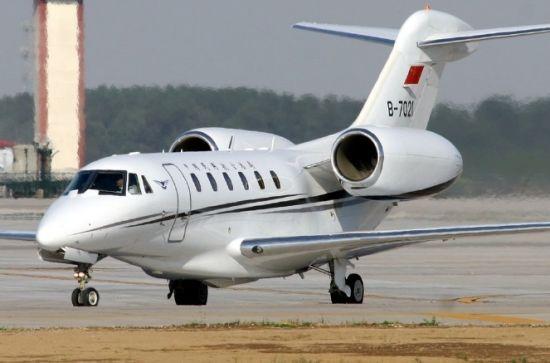 有专家称私人飞机的市场存在几千架的潜力