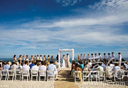 火热浪漫 夏日海边婚礼攻略