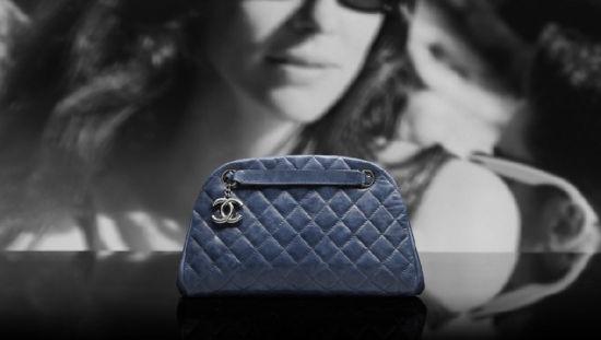 Chanel(香奈儿)推出2012度假系列:蓝色手袋
