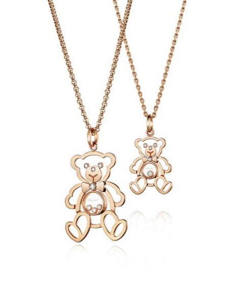 萧邦happy diamonds系列小熊项链,是品牌热卖已久的经典商品.