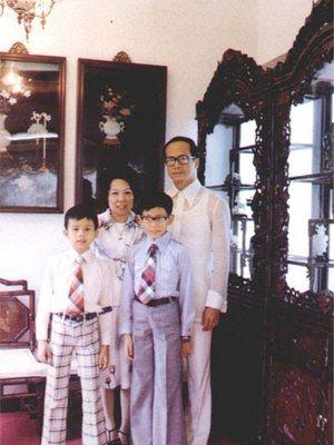 李泽钜李泽楷与父母