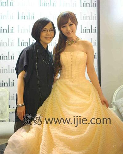 湾女明星最爱 林莉婚纱发布2013春夏系列