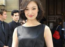 倪妮小黑裙现身Dior秀场