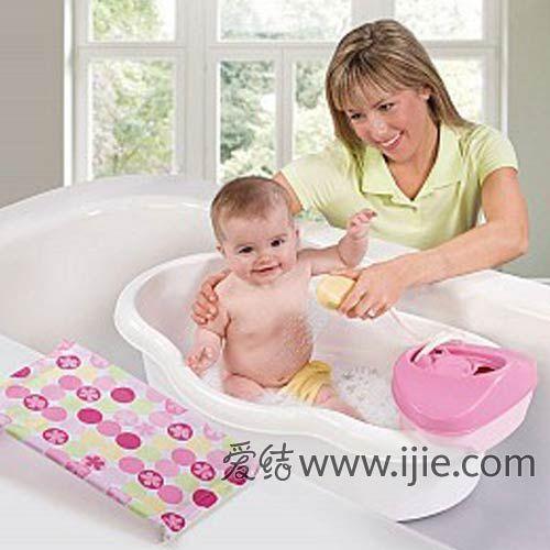 如何给宝宝洗澡图片