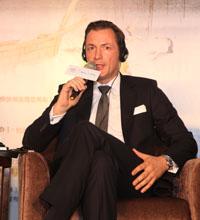 Mr. Rainer Stampfer四季酒店集团区域副总裁