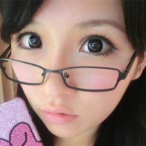 莫七七:超嫩减龄学生妆 卖萌有理