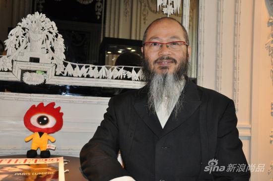香港知名珠宝艺术家陈世英(Wallace Chan)