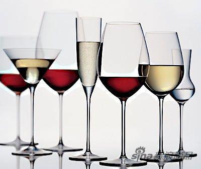 所以一只好的酒杯应该无透明