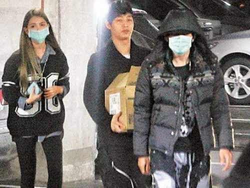 周杰伦与女友昆凌-周杰伦称1月前将婚 昆凌 看新闻才知道图片
