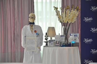 可能配合近160年医学背景的关系吧,可爱的骨头先生,每场都不甘人后