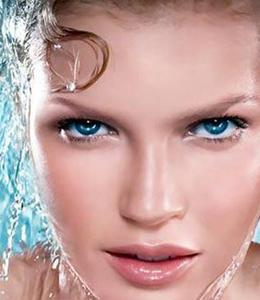 温水洗脸冷水收敛