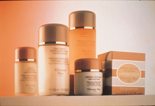 Dior迪奥:高科技护肤品成就肌肤之美(组图