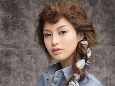 韩式发饰玩转百搭发型