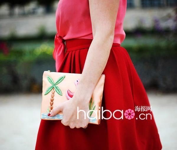 夏洛特・奥林匹亚 (Charlotte Olympia) 刺绣手拿包