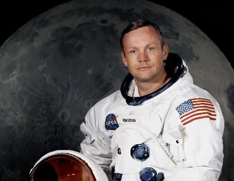 登月第一人:尼尔-阿姆斯特朗-美国登月宇航员现状 有总裁画家和隐者