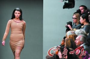 体型丰满的模特成为今年时装周表演现场的焦点