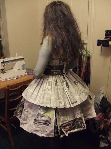报纸做儿童裙子步骤