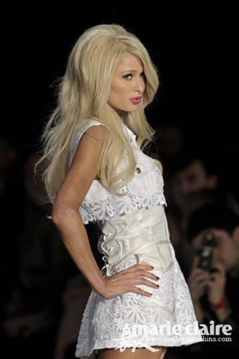 白色连衣裙很纯洁?