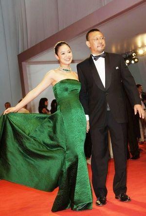 闪耀的绿色礼服