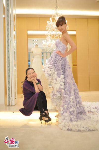 设计师兰玉诠释婚纱造就的美女风景(图)图片