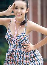 只有12岁的越南美少女