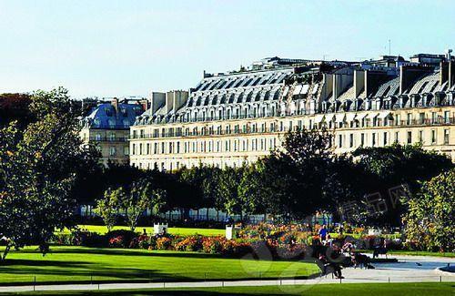 """莫里斯酒店外观 昔日""""御花园""""杜乐丽花园如莫里斯的私家花园"""
