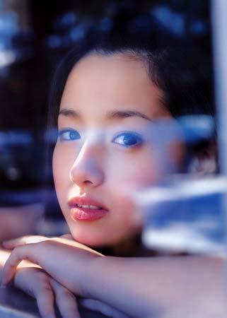 日本超清纯美组图绘里香写真(美白)(11)少女超性感美女图片