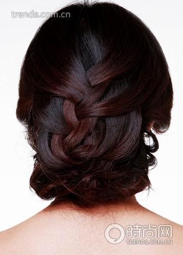 巧用发饰 diy经典新娘发型(组图)