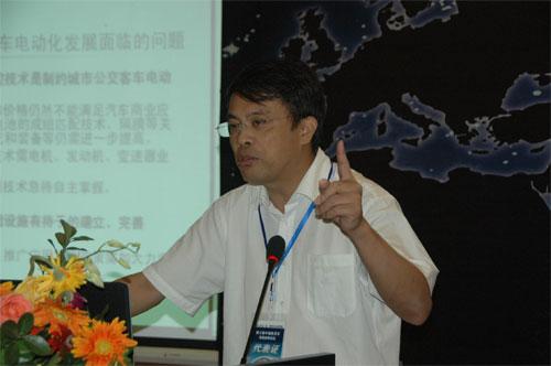 同济大学汽车学院院长余卓平