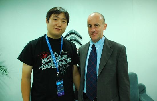 新浪汽车采访雪铁龙中国进口车负责人艾亚柯先生