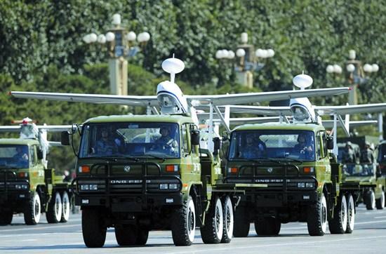 总参无人机方队EQ2102东风车搭载无人机参加国庆阅兵