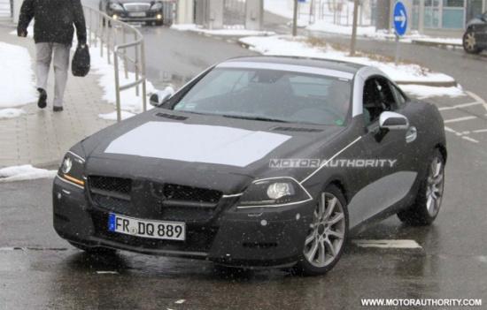 新一代梅赛德斯-奔驰SLK最新谍照