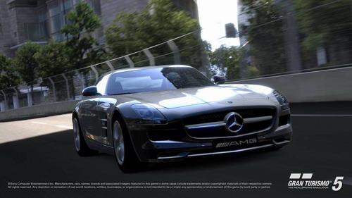在SLS AMG上市之前,《GT赛车5》或许是车迷感受鸥翼的唯一途径