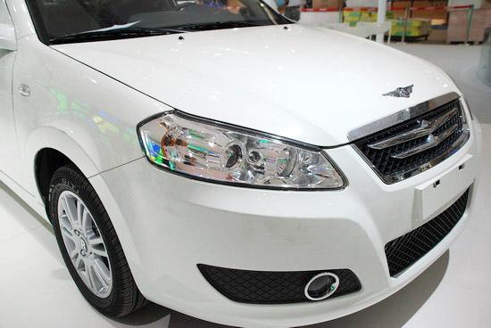 奇瑞将由意大利设计公司设定的G系列车型的前脸特征融入瑞麒G3当中