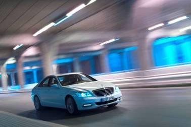 新一代梅赛德斯-奔驰S级轿车