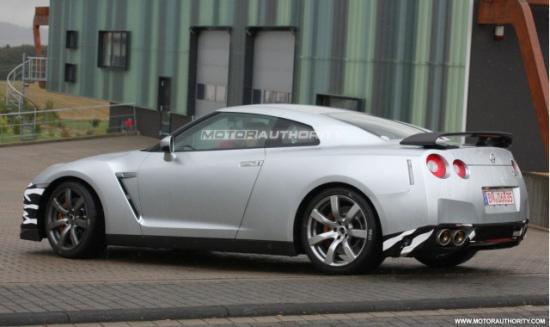 2011款日产GT-R SPEC-M