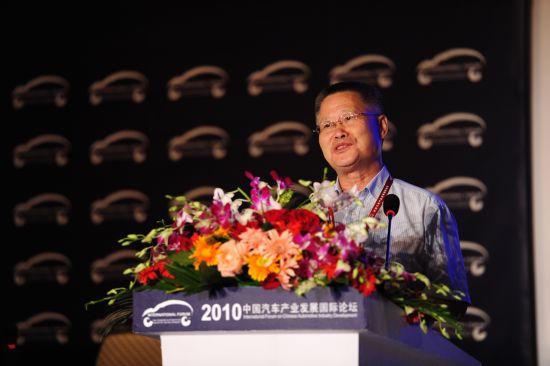 商务部研究院研究员、北京新世纪跨国公司研究所所长 王志乐