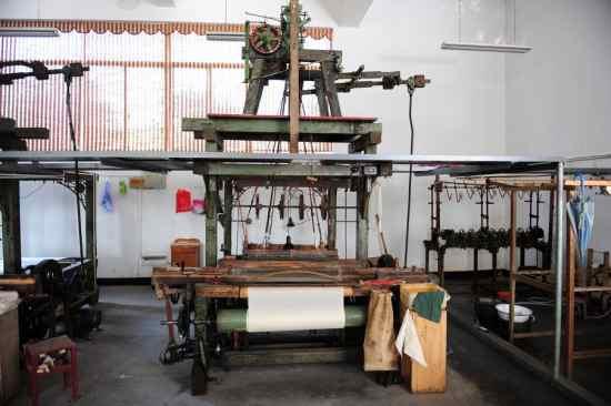 完成了半自动化改造的杭罗织机