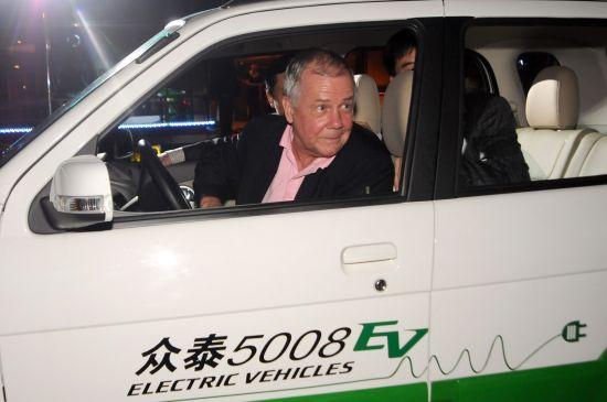 罗杰斯试驾5008EV