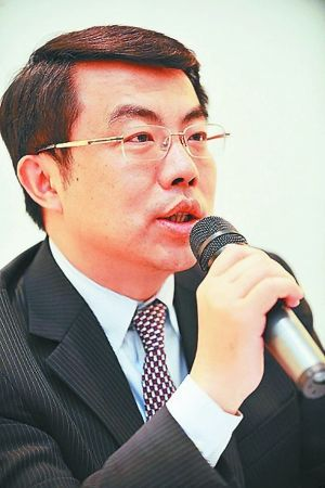 上汽乘用车副总经理蒋峻表示,今年销售目标为20万辆
