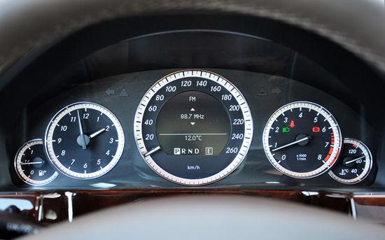 试驾国产奔驰长轴距E200L CGI 内饰篇