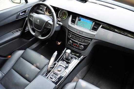 新浪汽车体验试驾东风标致508 空间座椅篇高清图片