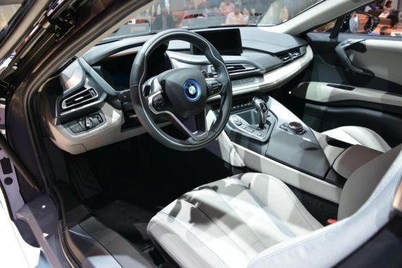 量产版2014宝马i8亮相法兰克福国际车展