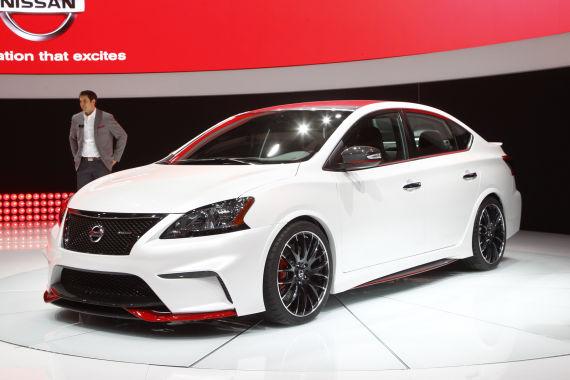Nissan Sentra Nismo Concept Live 01