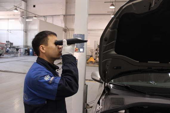 通过仪器读取防冻液的冰点数值