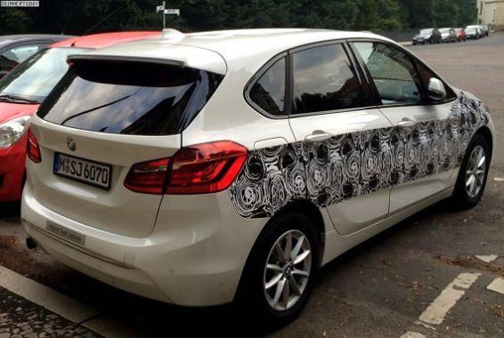 BMW-2er-Active-Tourer-Hybrid-Erlkoenig-Plug-in-Hybrid-Van-05