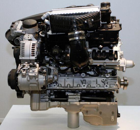 宝马M3上使用的直列六缸3.0T发动机 型号S55B30