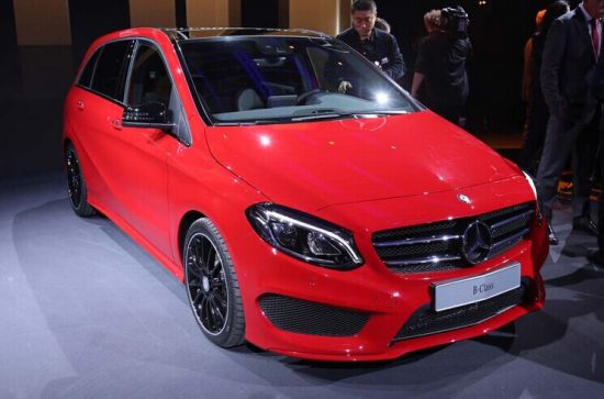 改款奔驰B级亮相巴黎车展 明年初上市
